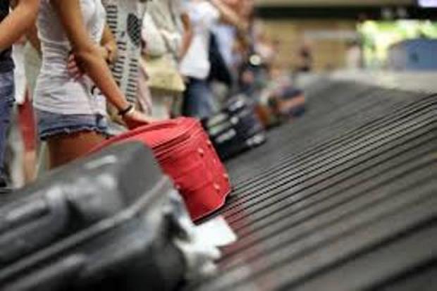 Ligar en el aeropuerto - Telemadrid - Colaborción de Raul Padilla
