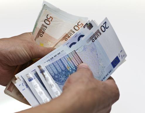 findom dinero